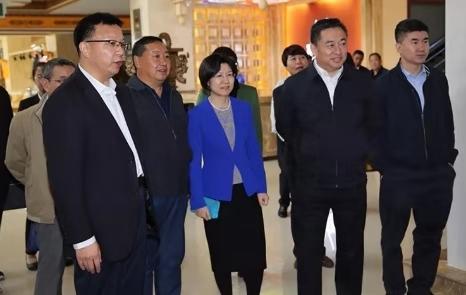 国家市场监督管理总局副局长苏梅君等一行莅临易胜博国际调研并指导工作
